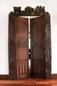 Cómo restaurar puertas en madera