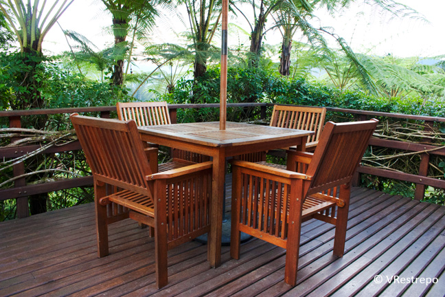 Mitos sobre el cuidado de su deck o terraza de madera for Patio con piso de madera