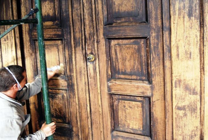 Restauraci n de la casa ditaires segunda parte for Restauracion de puertas antiguas