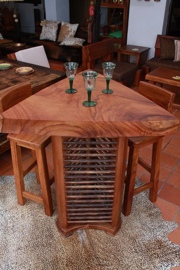 Maderas de colombia pi n de oreja for Muebles de algarrobo precios