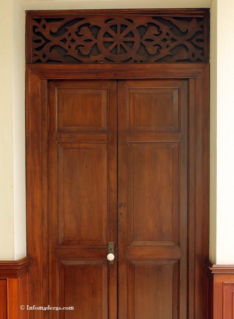 La madera es testigo de la historia de Medellín